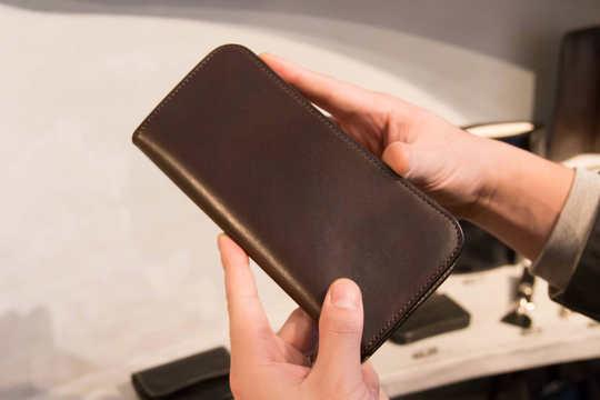 日本の革職人が作る人気の高級財布! ロングウォレット篇