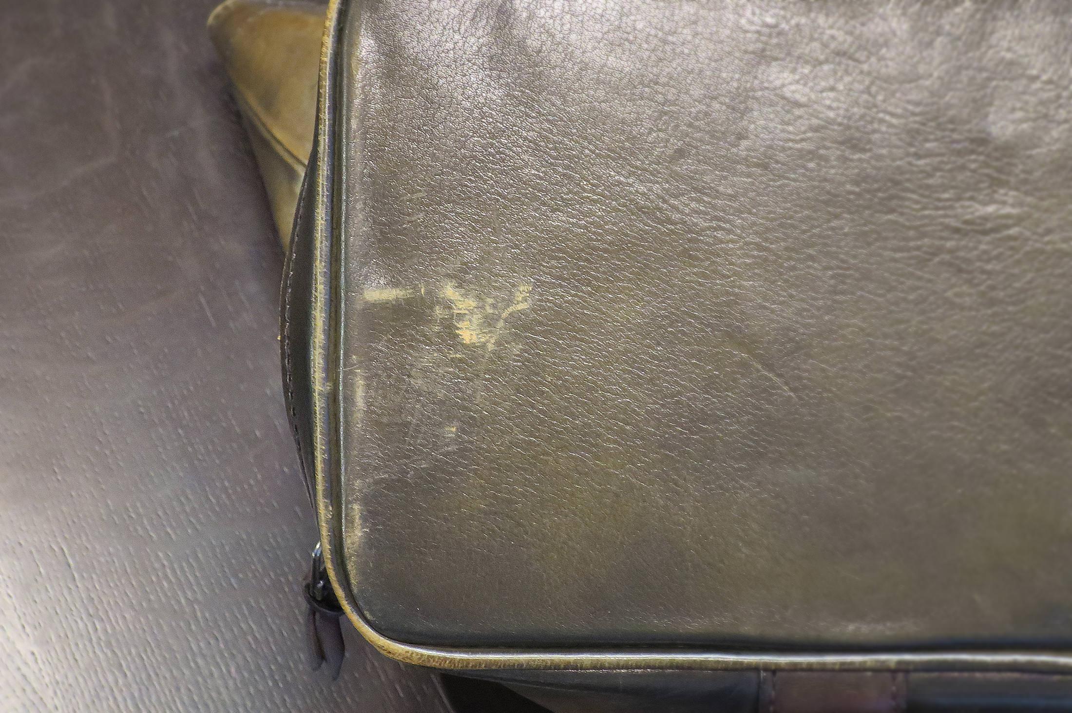602c2670e4beec ご自宅でできるバッグの色落ち補修|MENS LEATHER MAGAZINE メンズレザー ...